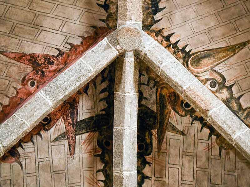dragones en la bóveda