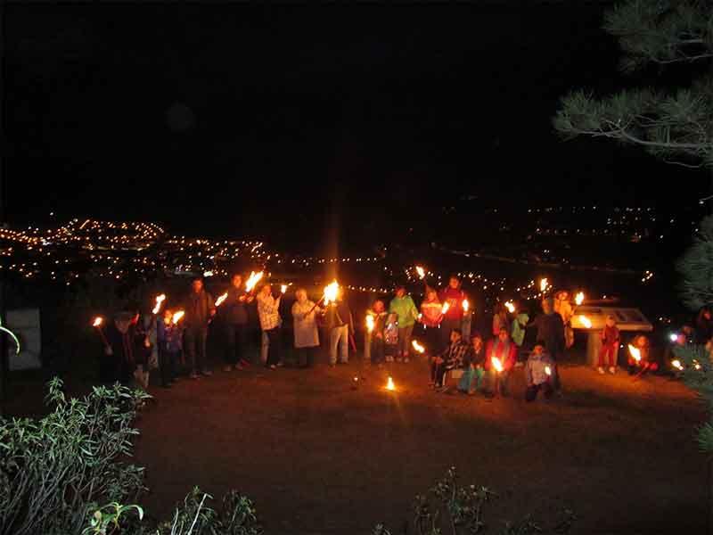 Bajada al bosque con antorchas en las fiestas de Robledo de Chavela