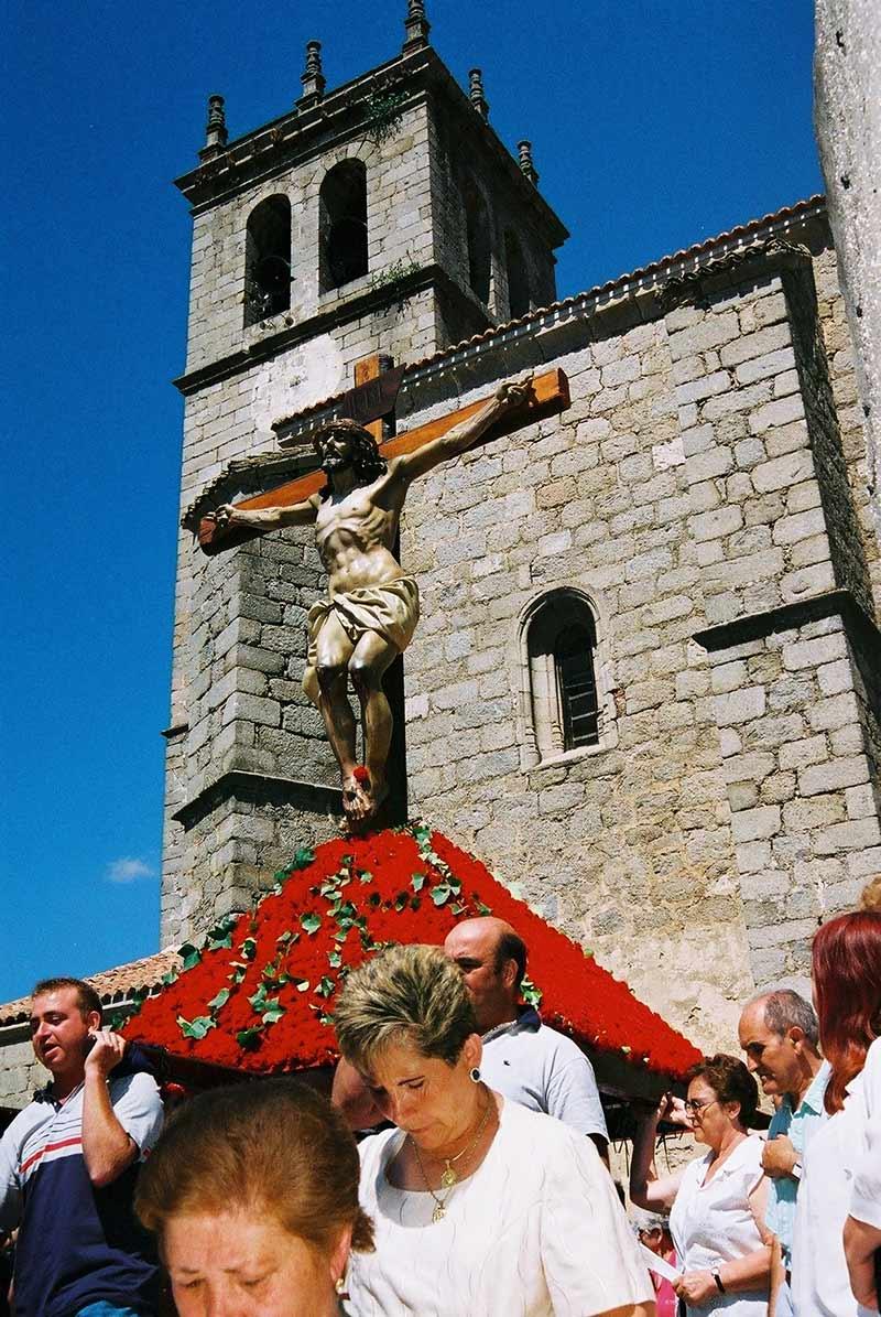 Cristo en procesión en las Fiestas Patronales de Robledo de Chavela