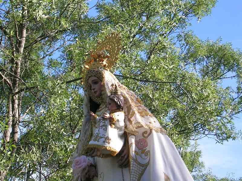 Virgen deNavahonda en la Romería